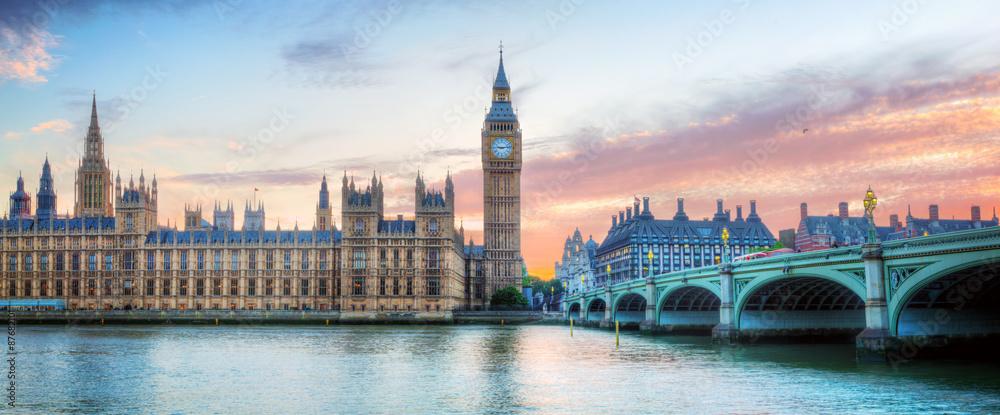 Fototapeta London, UK panorama. Big Ben in Westminster Palace on River Thames at sunset