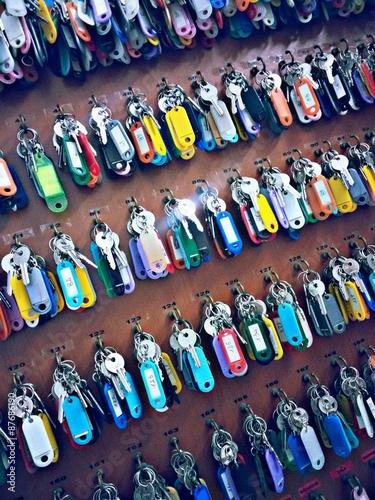 Photo Chiavi mazzo colori numeri portachiavi cabine stanze camere locali portiere port