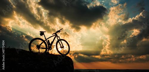 Türaufkleber Fahrrad Beautiful scene of bike on sunset