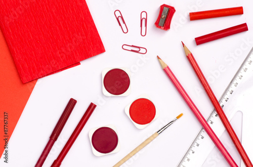 Fototapeta  red color school supplies