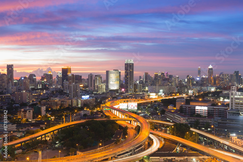 Deurstickers Rotterdam Bangkok elevated road junction and interchange overpass during twilight