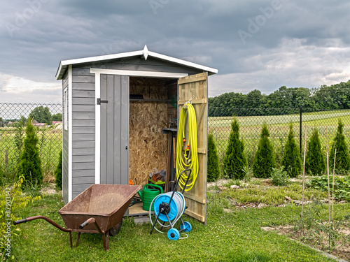 Fotomural Garden tools shed