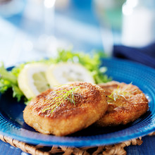 Maryland Crab Cakes With Lemon, Lettuce And Dill