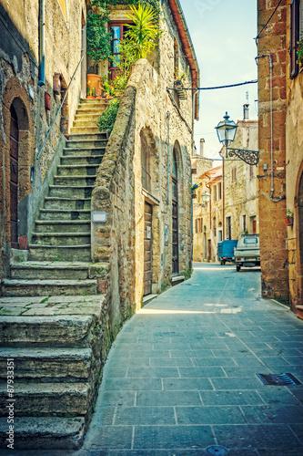 Obraz Uliczka w Pitigliano, Toskania, Włochy - fototapety do salonu