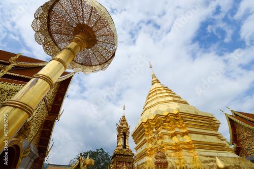 Foto op Canvas Boeddha Famous Golden pagoda wat Phra That Doi Suthep chiangmai Thailand