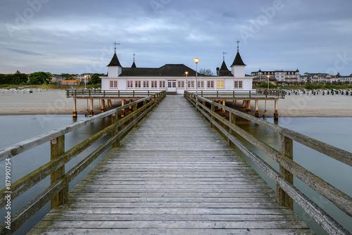 molo-przed-switem-morze-baltyckie-ahlbeck-heringsdorf-niemcy