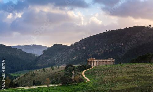 Fotografie, Obraz  doric temple in Segesta, Sicily