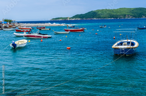 Foto op Plexiglas Panoramafoto s View on sea bay and boats