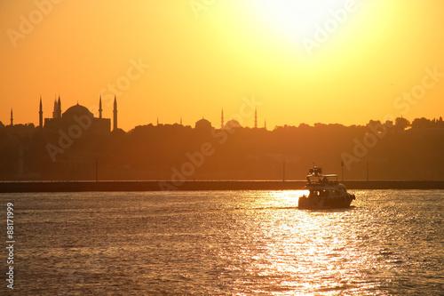 Fotobehang Midden Oosten Bosporus At Sunset