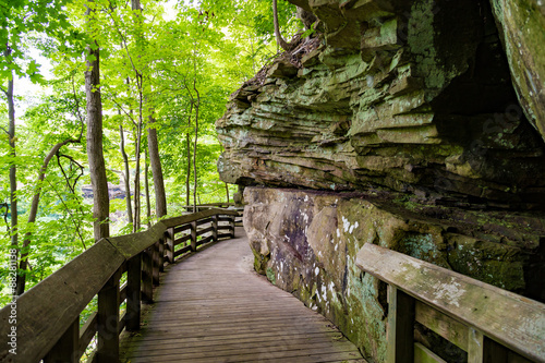 Beautiful boardwalk at Brandywine Falls in Cuyahoga National Park near Cleveland Canvas-taulu