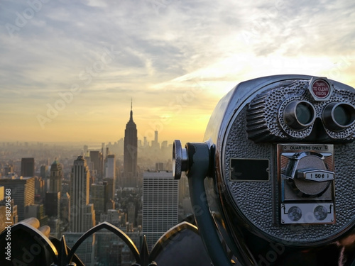 Tower viewer telescope binoculars over looking the New York City skyline Tablou Canvas