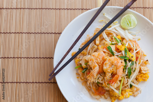 Photo  Stir-fried rice noodles (Pad Thai) is the popular food in Thaila