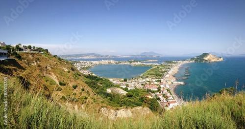 Photo Il vesuvio e la penisola di Capo Miseno