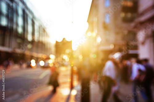 Foto auf Gartenposter Las Vegas people in bokeh, street of London