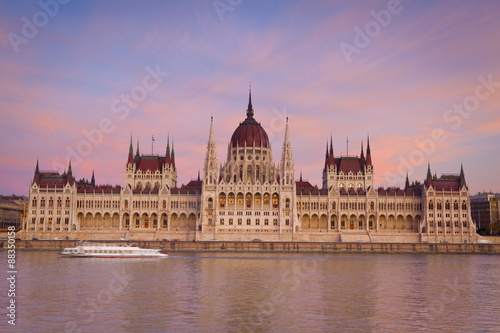 Hungarian Parliament Building and the River Danube at sunset, Budapest, Hungary, Europe