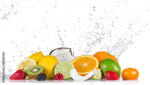 Poster Fruit Fruits with water splashes