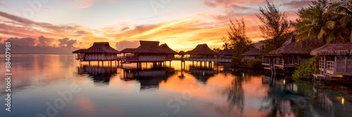 Foto auf Leinwand Ozeanien Bora Bora Sonnenuntergang Panorama