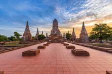 Wat Chaiwatthanaram Temple, Ayutthaya, Thailand (ayutthaya Histo