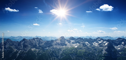 Papiers peints Alpes Mountainous panoramic landscape with the Alps