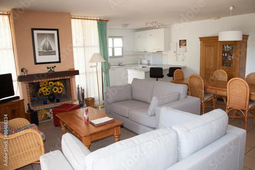 Modern Bright Clean Living Room In A House Kaufen Sie Dieses Interesting Clean Living Room