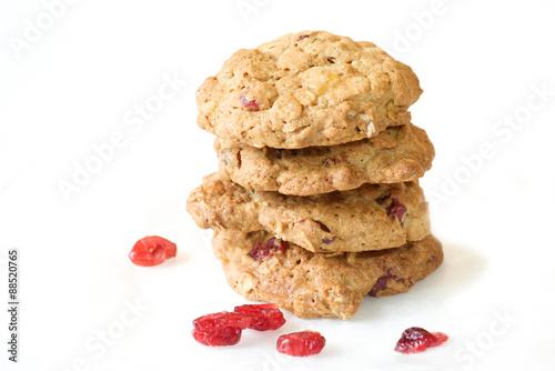 Tuinposter Koekjes Cranberry cookie on white background