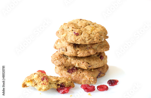 Tuinposter Koekjes Cranberry cookie on white background