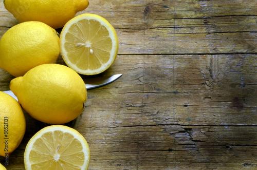 Fotografia  Citrus × limon Կիտրոն ლიმონი Лимон ചെറുനാരകം Cytryna zwyczajna เลมอน Limão Limon
