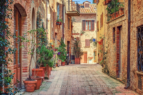 Poster Toscane Alley in old town Tuscany Italy