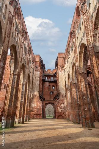 In de dag Palermo Tartu Cathedral Ruin
