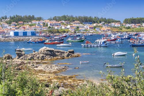 Foto auf AluDibond Stadt am Wasser Carcamans harbor