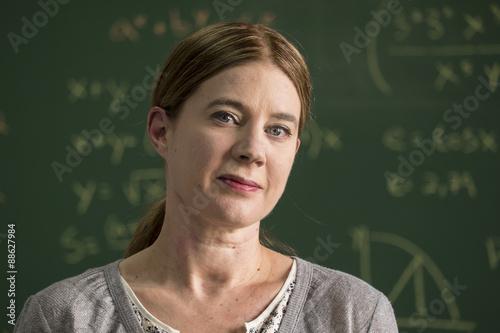 Fotografie, Obraz  Portrét hrdý učitelek, detailní