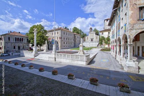 Photo Feltre Piazza maggiore provincia Belluno Veneto in Italia per turismo