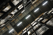 物流センターの天井