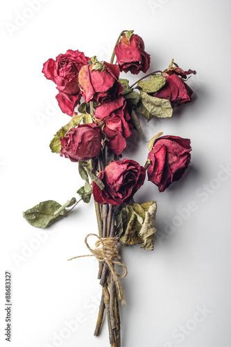 Valokuva  tied dried roses