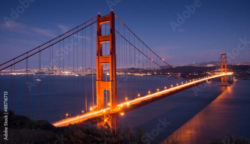 Photo  Golden Gate Bridge and San Francisco Skyline