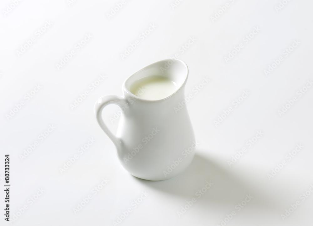 Fototapety, obrazy: Jug of fresh milk