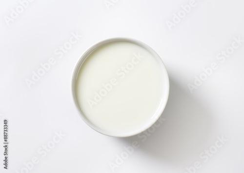 Stampa su Tela Bowl of fresh milk