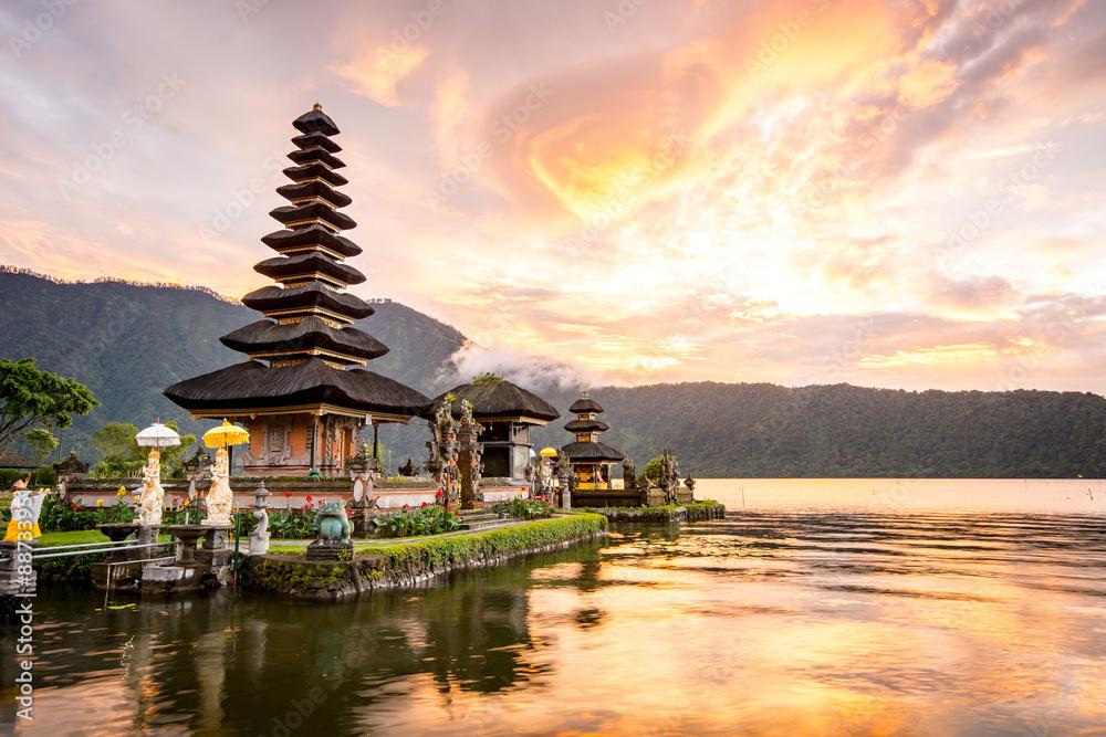 Fototapeta Pura Ulun Danu Bratan, Famous Hindu temple and tourist attraction in Bali, Indonesia