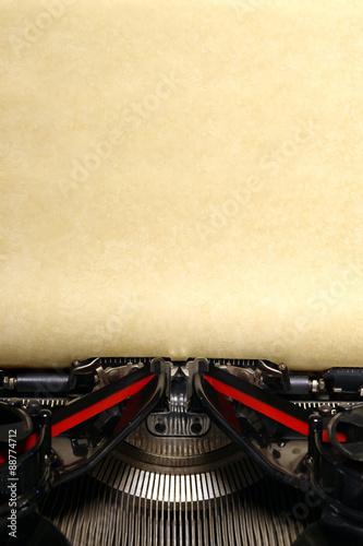 Foto op Aluminium Old vintage typewriter with blank paper