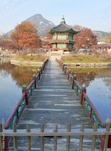 Fotografia  Pagoda in Gyeongbokgung Palace in Seoul, Korea