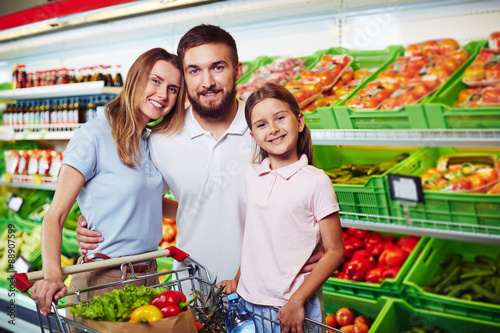 Plakat Rodzina w supermarkecie