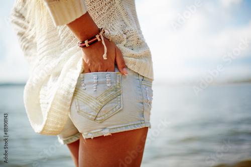 Girl in denim shorts Canvas-taulu