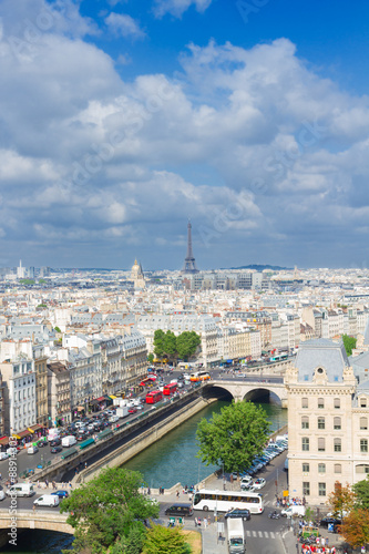 Staande foto Parijs skyline of Paris, France