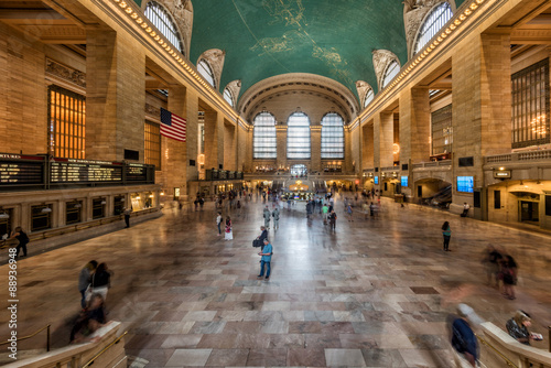 Платно NEW YORK - USA - 11 JUNE 2015 Grand Central station is full of people