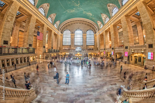 NEW YORK - USA - 11 JUNE 2015 Grand Central station is full of people Tablou Canvas