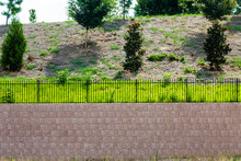 Block Retaining Wall Topped Wi...