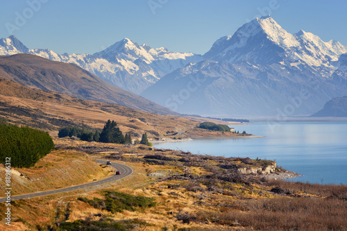 Montage in der Fensternische Neuseeland Road to Mount Cook, New Zealand