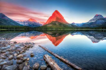 Obraz na SzkleSwiftcurrent Lake at Dawn