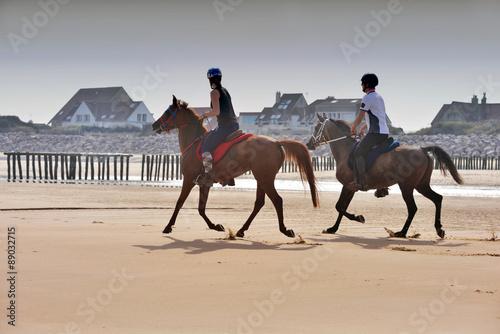 La pose en embrasure Equitation cavalier sur la plage