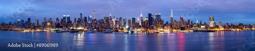plakat Manhattan Skyline bei Nacht New York USA